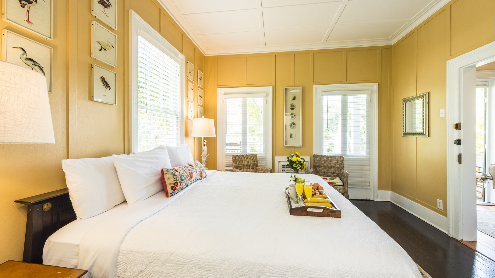 Key West Vacation Guest House - King William Room at Old Town Manor