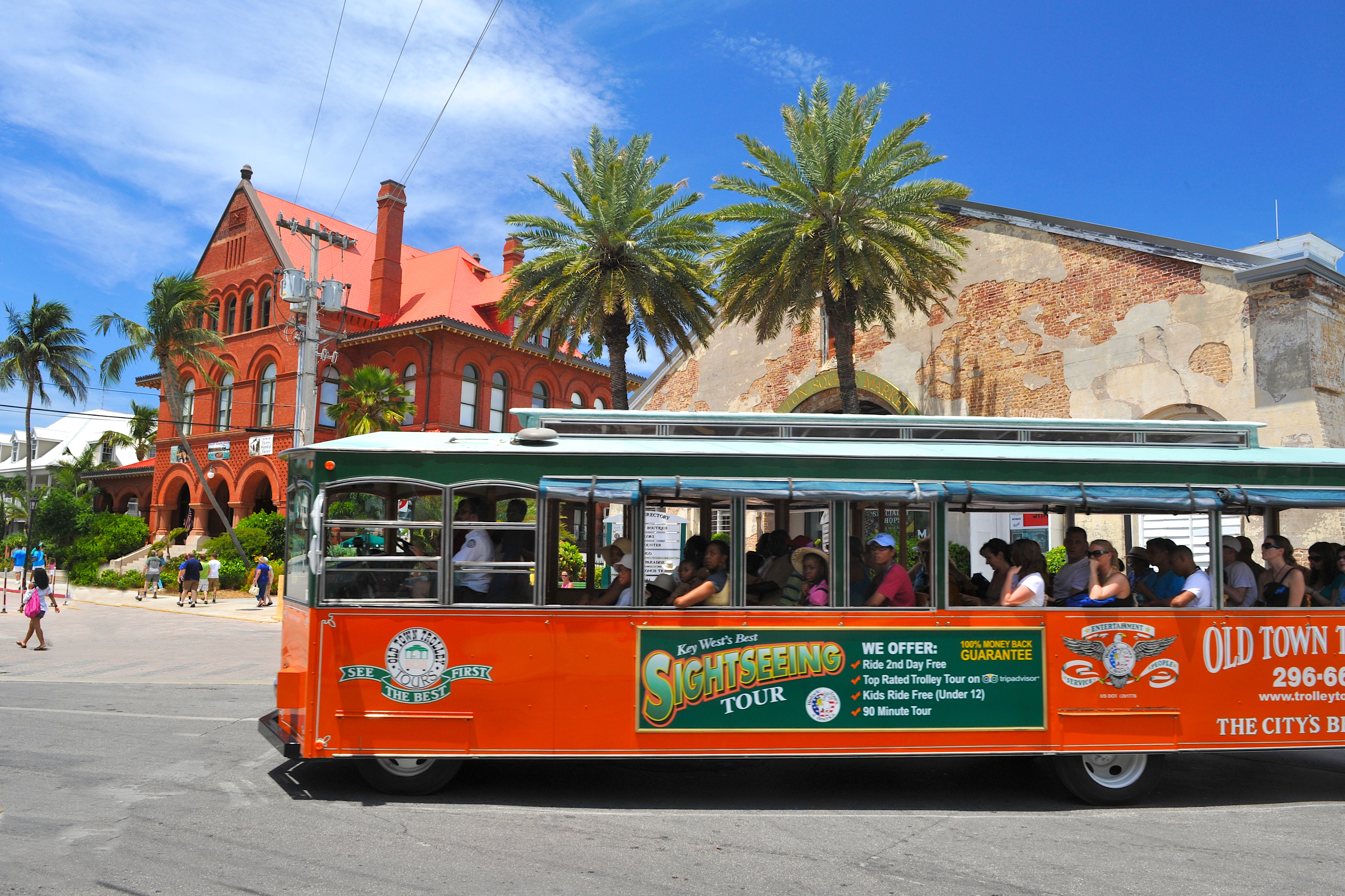 key west tours: conch train tour vs. old town trolley